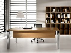 Rectangular steel and wood executive desk PRATIKO | Office desk by IFT