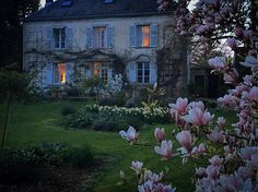 Magnolia gardens - French charm The Home of Sharon Santori, author of My Country Home, detailing living her life in Normandy Identified… Beautiful Gardens, Beautiful Homes, Beautiful Places, Beautiful Beautiful, French Cottage, French Country House, Country Houses, Garden Cottage, Home And Garden