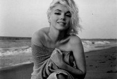Marilyn - i just LOVE this shot of her