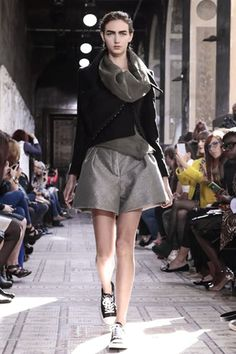 Moon Young Hee Ready To Wear Spring Summer 2014 Paris - NOWFASHION