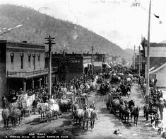 Idaho Springs' population exploded during the Great Rocky Mountain Gold Rush. Miner Street was buzzing with prospectors hoping to strike gold here in ( Photo: Historic Society of Idaho Springs) Idaho Springs Colorado, Colorado Mountains, Rocky Mountains, Central City Colorado, Old West Town, Old West Photos, Into The West, Oregon Trail, American Frontier