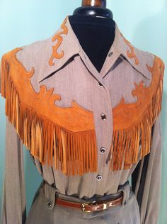 Original 1950s vintage brown Rayon Gabardine western suit with suede fringes - Hillbilly Westerns label, vintage western wear, close up of the shirt
