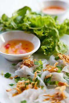 Banh Bao Vac or White Rose   Hoi An