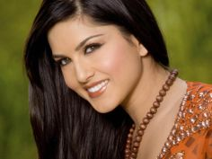 Happy Birthday to the sensational Sunny Leone! Turn 33 today. For latest Bollywood news click here:http://skjbollywoodnews.com/