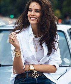 White shirt - Emily Didonato by Lachlan Bailey for Vogue Paris September 2013 Emily Didonato, Vogue Paris, Women Smoking, Girl Smoking, Modelo Emily, Toni Garrn, Look Plus, Vogue Magazine, Looks Style