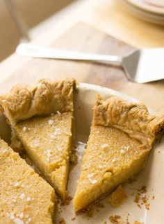 A delicious any-season pie with the flavor of honey and a touch of salty goodness. Your family will LOVE this perfect pie recipe! Custard Recipes, Pie Crust Recipes, Sweets Cake, Cupcake Cakes, Cupcakes, Salted Honey Pie, Just Desserts, Dessert Recipes, Yummy Treats