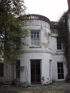 Wymering Manor in Portsmouth is one ofthe Most Haunted Houses in England...