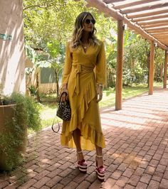 Swans Style is the top online fashion store for women. Shop sexy club dresses, jeans, shoes, bodysuits, skirts and more. Modest Outfits, Modest Fashion, Chic Outfits, Dress Outfits, Casual Dresses, Fashion Dresses, Summer Dresses, Tribal Fashion, Womens Fashion