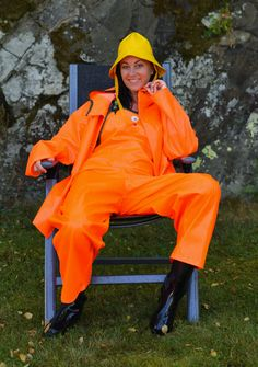 Yellow Raincoat, Rain Gear, Overall, Bronze, Catsuit, Coats For Women, Rain Boots, Rain Jacket, Windbreaker