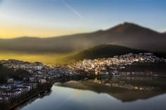 View of Kastoria by Dimitris Lantzounis Alexander The Great, Thessaloniki, Macedonia, Greek Islands, Holiday Destinations, Vacation Spots, Maldives, Beautiful Places, To Go