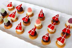 Sinterklaas Petit Fours Saint Nicolas, Mini Cupcakes, Buffet, Holiday, Party, Kitchen, Desserts, December, Food