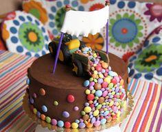 Fruh Ubt Sich Oder Kleine Jungs Und Starke Motoren Kuchen Kindergeburtstag Kinder Kuchen Backen Kindergeburtstag
