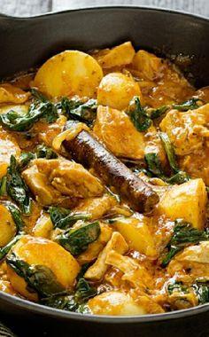 Low FODMAP and Gluten Free Recipes - Spiced chicken, spinach & potato stew Fodmap Diet, Low Fodmap, Fodmap Foods, Low Food Map Diet, Clean Recipes, Free Recipes, Yummy Recipes, Recipies, Chicken Diet Recipe