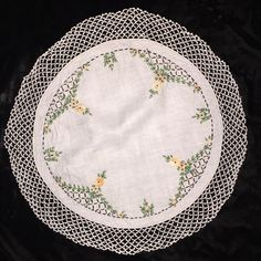 """Vintage Hand Embroidered Doily Tiny Apricot Flowers Crocheted Edge Round 21"""""""