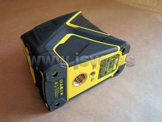 Kit con nivel láser de líneas en cruz Stanley FatMax® FCL-G con haz verde. Incluye bolsa de transporte. www.jsvo.es