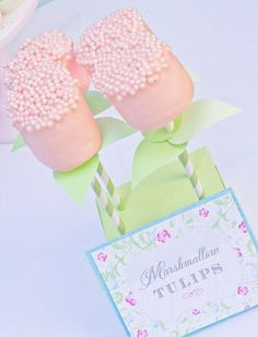 Unas nubes dulces para una fiesta flores / Sweet marshmallow pops for a flower party