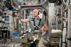 ESA astronaut Alexander Gerst running the Grip experiment International Space Station, Spacecraft, Dexter, Astronomy, Experiment, Life, Image, Running, Photos