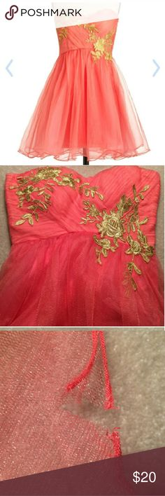 Cute Homecoming/Prom dress Strapless. Sweetheart neckline Not noticeable tear on bottom Rose pattern,  Worn once Dresses Strapless