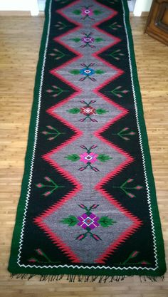 Antique hand woven romanian rug by rovintageshop on Etsy Yarn Crafts, Bohemian Rug, Hand Weaving, Traditional, Rugs, Antiques, Decoration, Blouse, Unique Jewelry