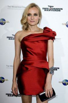 Marchesa Asymmetric Silk and Wool-blend Dress media gallery on Coolspotters. See photos, videos, and links of Marchesa Asymmetric Silk and Wool-blend Dress. Diane Kruger, Satin Dresses, Prom Dresses, Peplum Dress, Dress Up, Very Good Girls, Celebrity Dresses, Hollywood Glamour, Marchesa