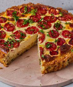 Krémes sült cékla   Street Kitchen Green Kitchen, Tart Recipes, Tahini, Pepperoni, Vegetable Pizza, Quiche, Feta, Lemon, Vegetables