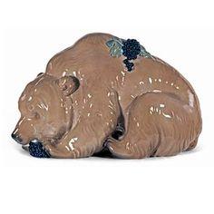 Értékmentők - Gyugyi-gyűjtemény, Zsolnay kiállítás Pécsen Medve hátán szőlőfürttel (1911)  A Medve Mattyasovsky-Zsolnay László népszerű kisplasztikájának első gyári mintadarabja. Zsolnay Vilmos Teréz lányától született unokája 1912-től Párizsban élt és elsősorban festészettel foglalkozott. Art Tiles, Tolkien, Pottery Art, Inventions, Art Nouveau, Two By Two, Lion Sculpture, Victorian, Ceramics