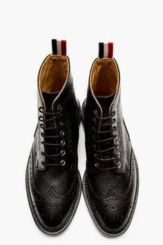 THOM BROWNE Black Pebbled Leather Wing Tip Boot