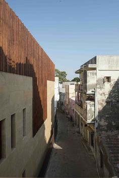 Gallery of MANDVI House / SPASM Design Architects - 6