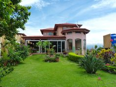 Home For Sale in Atenas Atenas, Alajuela. For Sale at $250,000.00. , Atenas.