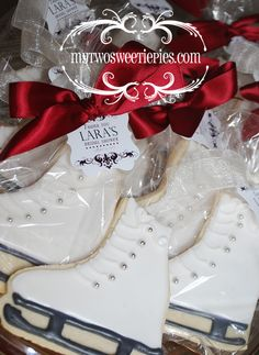 Ice Skate cookie favors for an upcoming bridal shower. Ice Skating Cake, Ice Skating Party, Skate Party, Galletas Cookies, Iced Cookies, Cute Cookies, 12th Birthday, Birthday Parties, Girl Parties