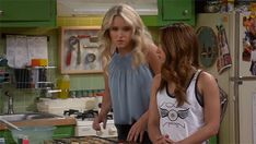 """S4 Ep5 """"Young & Fostered"""" - Well, that's totally awkward.  #YoungAndHungry"""