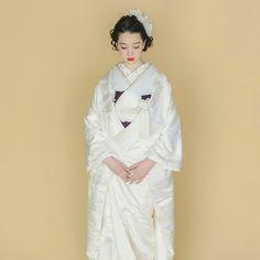 Wedding Kimono, Wedding Dresses, Traditional Wedding Attire, Yukata, Japanese Kimono, Kimono Fashion, Wedding Shoot, Brides, Girly
