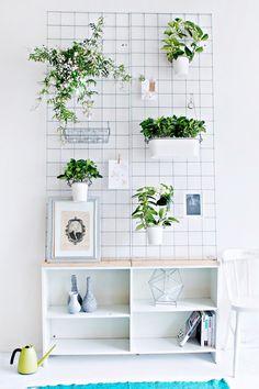 Ikea Hacks für Frühlingsdeko im Wohnzimmer : farbenfrohe Möbel