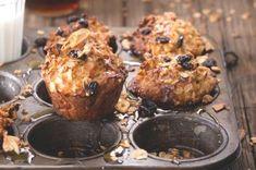 Čokoládové muffiny s banánem a kokosem | Apetitonline.cz Breakfast, Recipes, Cakes, Food, Kitchen, Morning Coffee, Cooking, Cake Makers, Kuchen