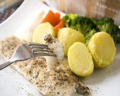 ¡Buenos días! Hoy queremos traerte una receta deliciosa a la vez que saludable: Merluza al horno. ¡Bon appetit!  http://www.merluzaalhorno.com/