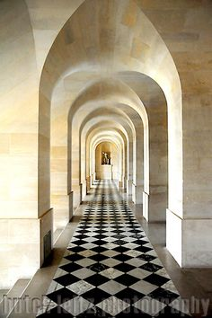 Tunnel effect of an archway in Versailles, France. Places Around The World, Around The Worlds, Beautiful World, Beautiful Places, Versailles Paris, Porte Cochere, Architecture Details, French Architecture, Building Architecture