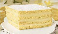 GÂTEAU BLANCHE-NEIGE : la recette facile - CULTURE CRUNCH Crunch, Vanilla Cake, Biscuits, Culture, Couches, Food, Baguette, Table, Pastry Recipe