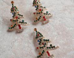 Christmas Tree Earrings Brooch Demi Parure Prong Set Rhinestones Gold Tone Metal Clip On Vintage