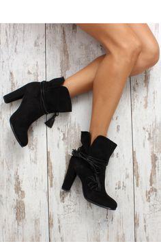 Heel boots model 63356 Inello. Size Insole lenght    36 23.5 cm   37 24 cm   38 25 cm   39 25.5 cm   40 26 cm   41 26.5 cm
