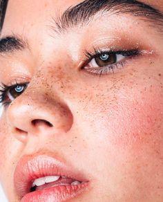 Glitter Make Up   Pinterest: heymercedes