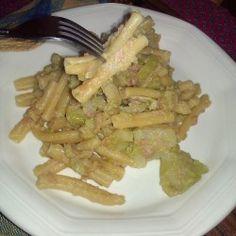 """Da """"Il Regno in Cucina"""" Con i broccoli riusciamo a creare tante ricette di primi e secondi piatti, perchè è un ortaggio molto"""