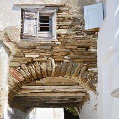 Tinos island, Greece  |  one photo a day  |  ph.no342, 08.08.2016  |  windows on top