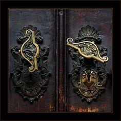 Old Black doors with Antique lever hardware.What's behind this door? Door Knob Lock, Door Knobs And Knockers, Knobs And Handles, Door Handles, Gates, Door Detail, Barrel Hinges, Door Gate, Old Churches