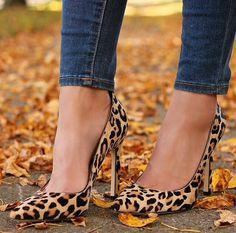 Leopard Carra pumps + skinny jeans