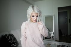 Icy blonde bob hairsyle