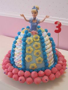 tarta princesa Candy Kabobs, Cinderella Party, Birthday Cake, Birthday Parties, Candy Cakes, Ramadan Decorations, Fruit Art, Baby Party, Princess Party