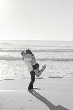 proposal engagement session in South Beach from Maria Munoz Photography