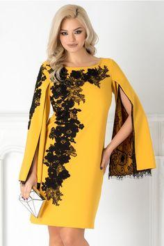 Impresioneaza prin eleganta si stil la orice eveniment special, puratnd rochia LaDonna alba cu broderie si maneci crapate