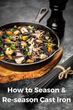 How to season or re-season a cast iron skillet Comment assaisonner ou repasser une poêle en fonte Cast Iron Frying Pan, Cast Iron Pot, Cast Iron Cookware, Cast Iron Cooking, It Cast, Iron Pan, Season Cast Iron Skillet, Lodge Cast Iron Skillet, Camping Dishes