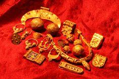 Reconstructed jewellery found in Mikulčice, Czech Republic. Culture: Slavic (West Slavs - Great Moravian Empire). Timeline: c. 9th century. ...